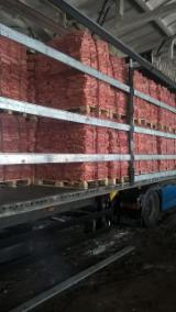 Find best timber supplies on Fordaq - Universal-Farm - Pine Kindlings, 18 cm