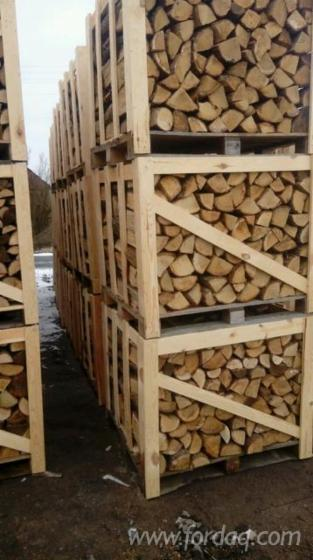 Wholesale Oak Firewood/Woodlogs Cleaved from Poland