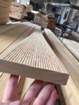 Siberian Larch Anti-Slip Decking (2 Sides), 25-120 mm