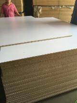 Vend Panneaux De Particules - Aggloméré 12-25 mm