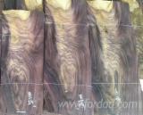 Натуральний Шпон, Палісандр , Струганий Шпон З Розгалуженою Текстурою