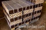 Jodła Pospolita , Sosna Zwyczajna - Redwood, Świerk - Whitewood Brykiet Drzewny ENplus Ukraina