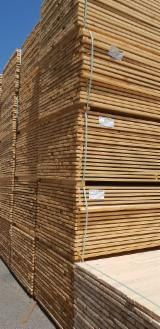 Find best timber supplies on Fordaq - Scierie Zahnd SA - Spruce/Fir Packaging Lumber, PEFC, 27/75 mm