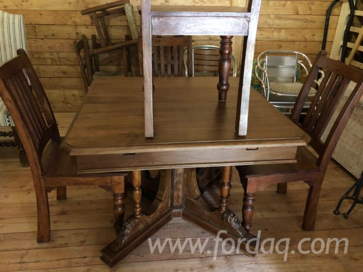 Set Of Epoch Table And Chairs For Sale