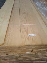 Sliced Natural Southern Pine Veneer, 245-400 cm