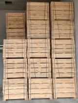 Finden Sie Holzlieferanten auf Fordaq - U-SVIT - Kiefer - Föhre, 1 lkw-ladung Spot - 1 Mal