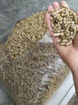 Finden Sie Holzlieferanten auf Fordaq - U-SVIT - ENplus Kiefer - Föhre Holzpellets 6 mm