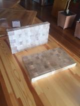 Turkish Oak Cutting Board (Checkerboard)