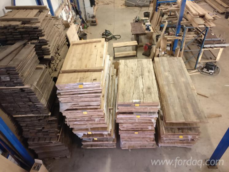 viel-altes-Holz--alte-Eiche--alte-Kiefer