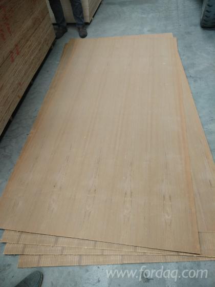Natural-teak-plywood-grade-A-AA-poplar---eucalyptus