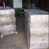 European hardwood RUF briquettes
