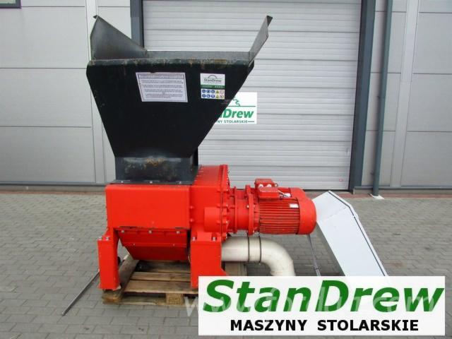 Gebraucht REINBOLD RMZ 500S 2003 Hacker Und Schneidmühlen Zu Verkaufen Polen