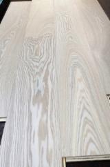 Finden Sie Holzlieferanten auf Fordaq - Dalian SanLin Wood Industry Co.,Ltd, - Esche , CE, Einblatt Breitdiele