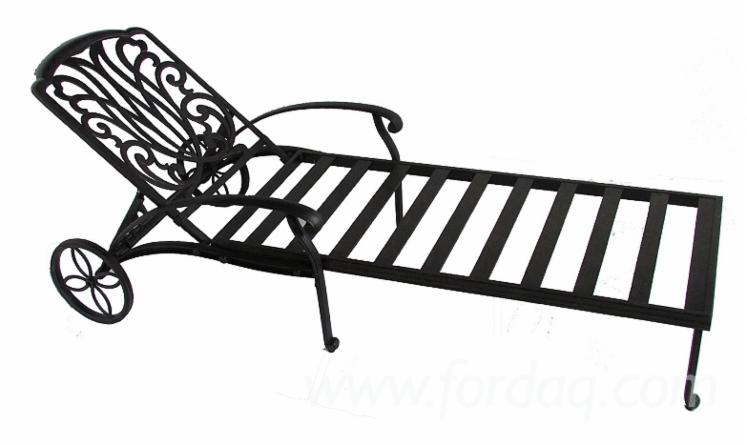Cast-Aluminum-Outdoor-Lounger-with-End