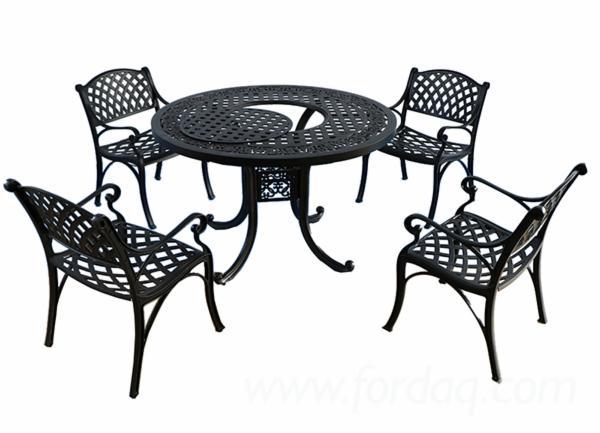 Cast-Aluminum-Outdoor-Dining