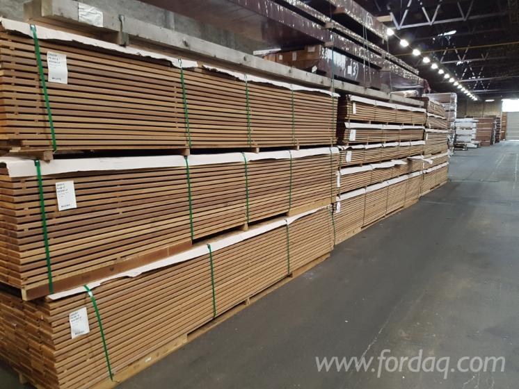 Bangkirai-Anti-Slip-Decking-%282-Sides%29