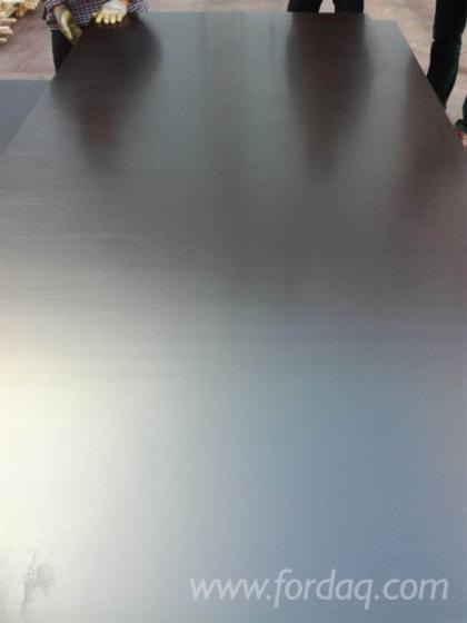 Vend Contreplaqué Filmé (Brun) 7-40 mm Chine