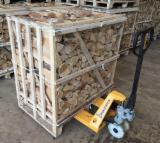 KD Oak/Beech Cleaved Firewood on Pallets, 1st Class