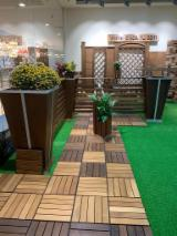 Brown Ash/Maple Garden Wood Tiles, 300x300 mm