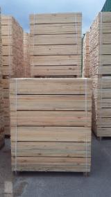 Embalagens de madeira Pinus - Sequóia Vermelha Recém Cortada À Venda Podkarpacie
