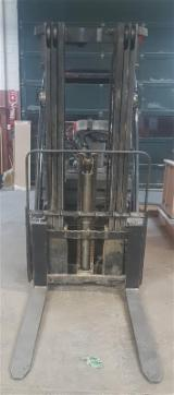 Woodworking Machinery - Used Toyota 8FGU30 Forklift, 2010