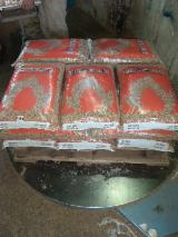 High-Quality Beech Wood Pellets (Without Additives), 6 mm