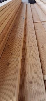 Exterior Decking - Larch Exterior Anti-Slip Decking, 21-27 mm