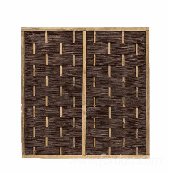 Panel-de-valla-de-mimbre-con-list%C3%B3nes-verticales-en