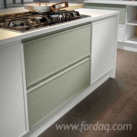 Kitchen-furniture-with-a-competitive