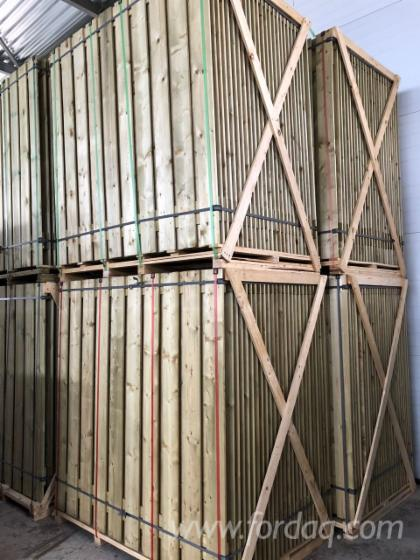 Exterior hit&miss fence panels