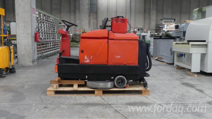 Used-Hako-Floor-Washer-For