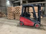 Vender Madeira Redonda Aparada De Forma Cilíndrica Pinus - Sequóia Vermelha FSC Rússia Pskov