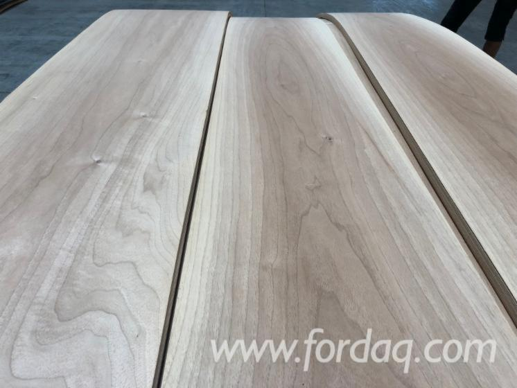 Flat-Cut-Walnut-Natural-Veneer