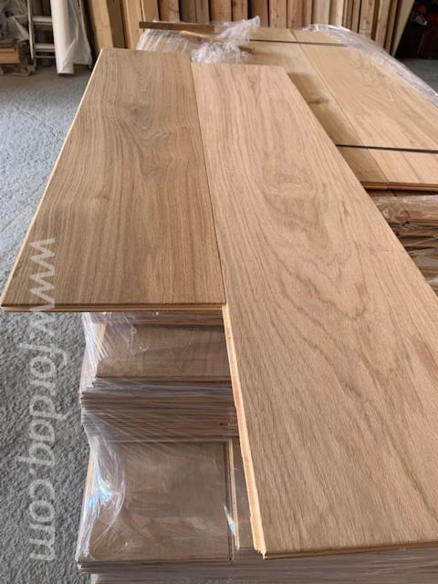 Oak-Three-Strip-Wide-Flooring