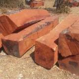 null - 4-seitig Sägegestreiftes Rundholz, Rhodesian Copalwood, African Rosewood, Teak