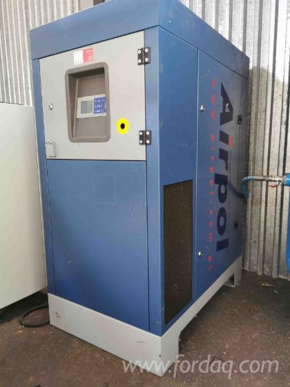 Kompresor-mit-Lufttrockner-und-Olseparat-AIRPOL--