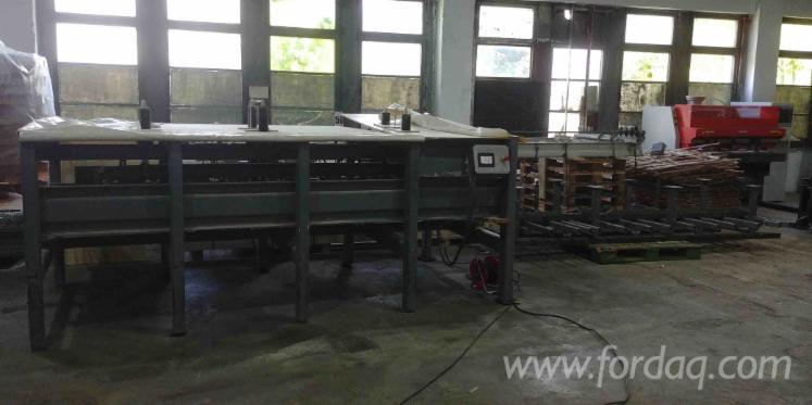 Vend-Presse-Pour-Panneaux-De-Fibres-Ou-De-Particules-Made-In-Slovakia-3000x1250-Occasion