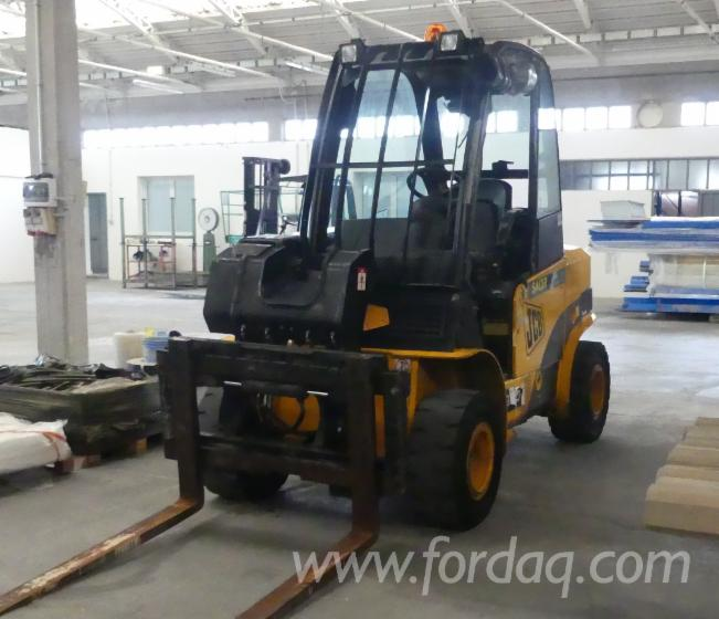 Used-JCB-Forklift-With-Telescopic-Boom