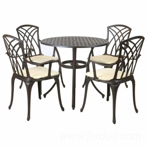 Cast-Aluminum-Outdoor-Furniture-For