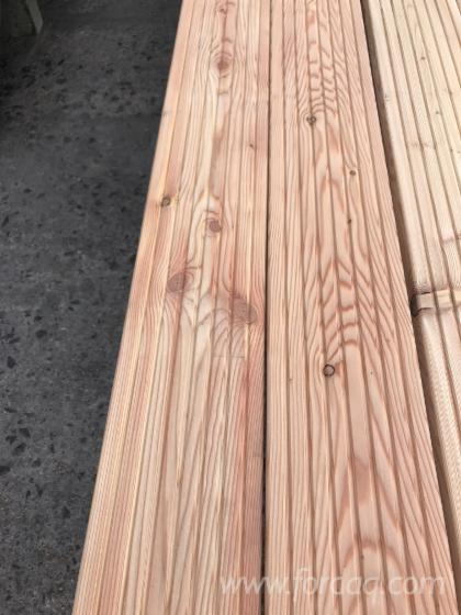 Larch-Exterior-Anti-Slip-Decking