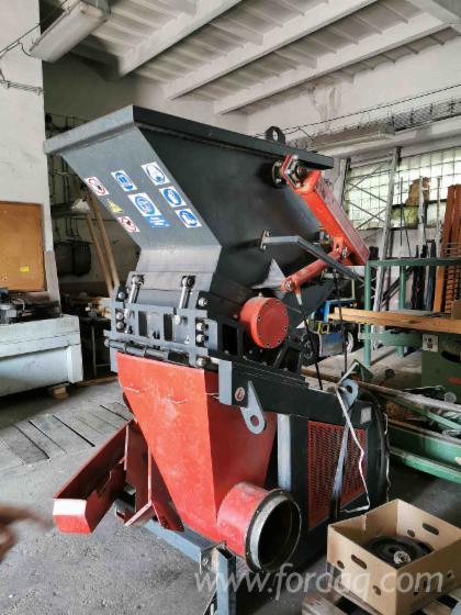 Vend-Machines-%C3%80-Fabriquer-Des-Particules-%C4%8Castul%C3%ADk-CASTOR-400-30kW-Occasion