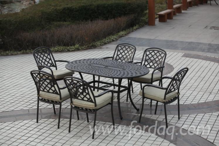 Outdoor-Cast-Aluminum-Patio-Furniture-Sets-with-Square-Dining
