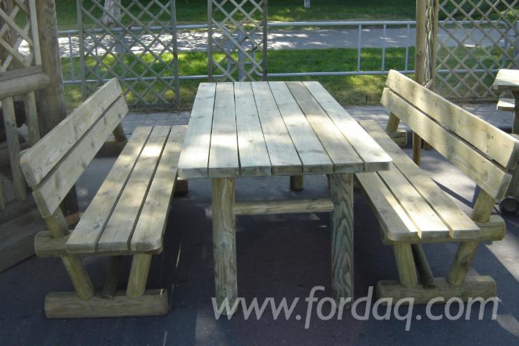 Pine-Garden-Furniture-200