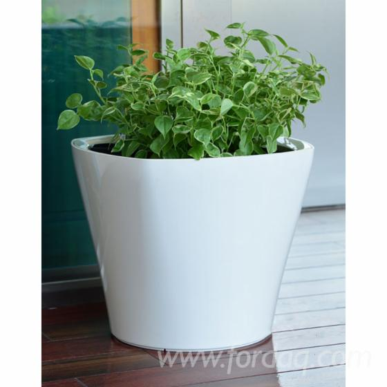 Indoor---Outdoor-Small-Plastic-Self-Watering