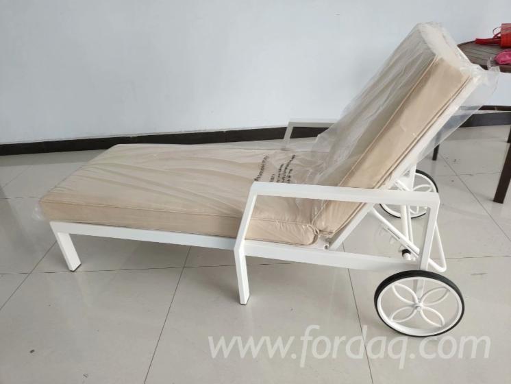Cast-Aluminum-Garden-Chaise-Lounge