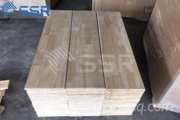 Rubberwood-Stair-Treads