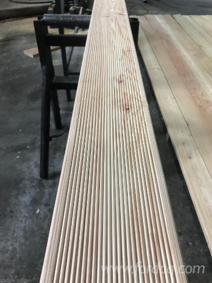 Larch-Exterior-Anti-Slip-Decking