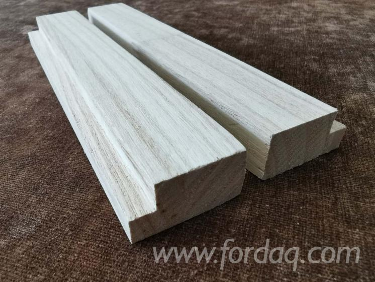 Paulownia-wood-finger-jointed-mouldings-with
