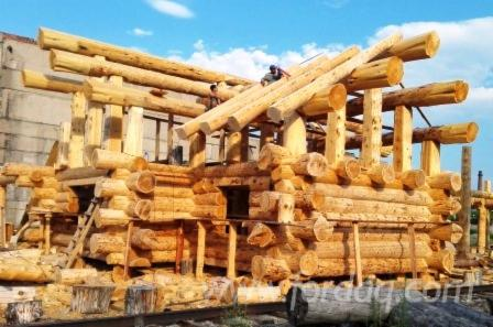 Selling-Canadian-Log-House-made-out-of