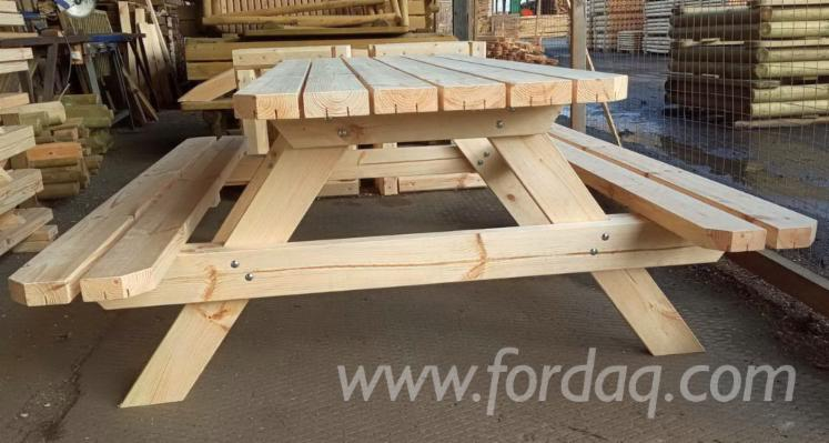 Pine-Garden-Sets---Table-with-Fixed